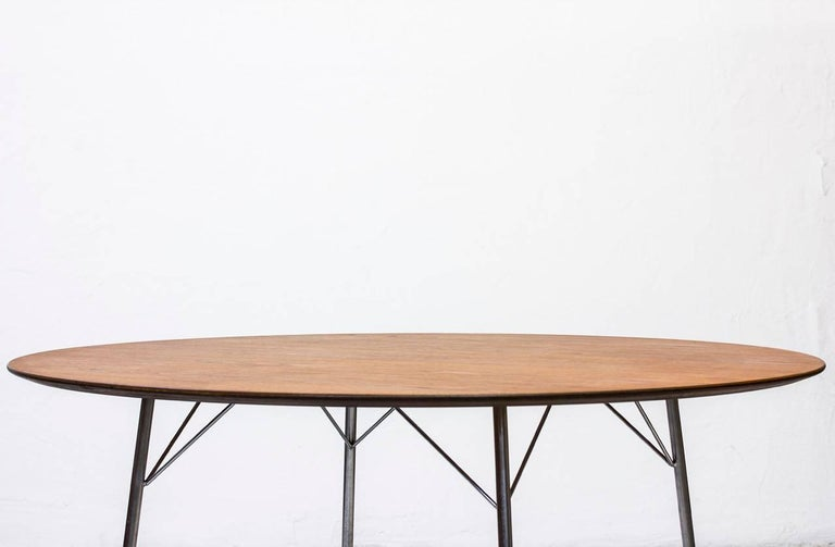 Mid-20th Century Scandinavian Modern Teak Dining Table by Arne Jacobsen for Fritz Hansen, 1963 For Sale