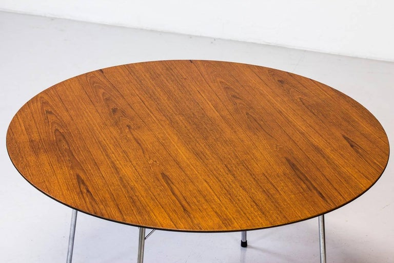 Dining table model 3600 designed
