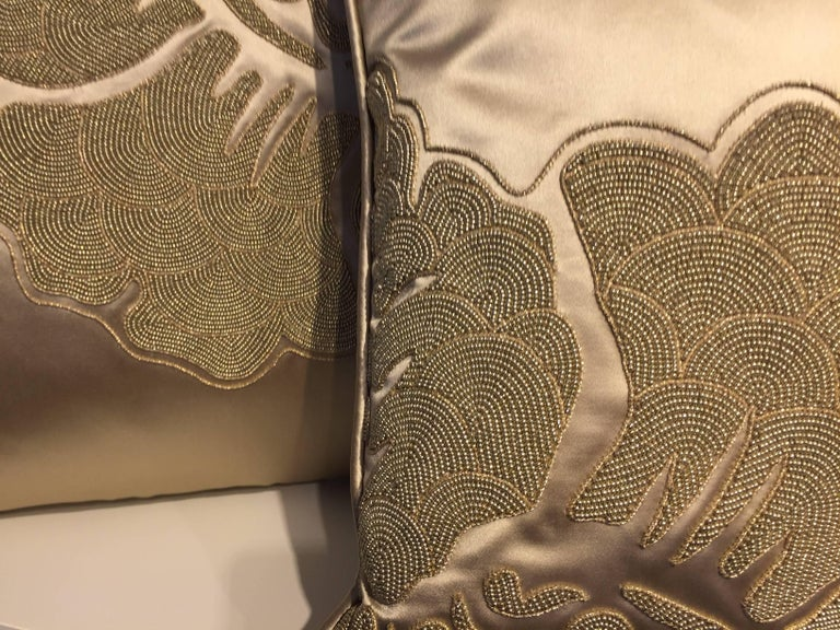 Set of Cushions Silk Satin Champagne Modern Damask Design Hand Embroidery In New Condition For Sale In Hamburg, DE