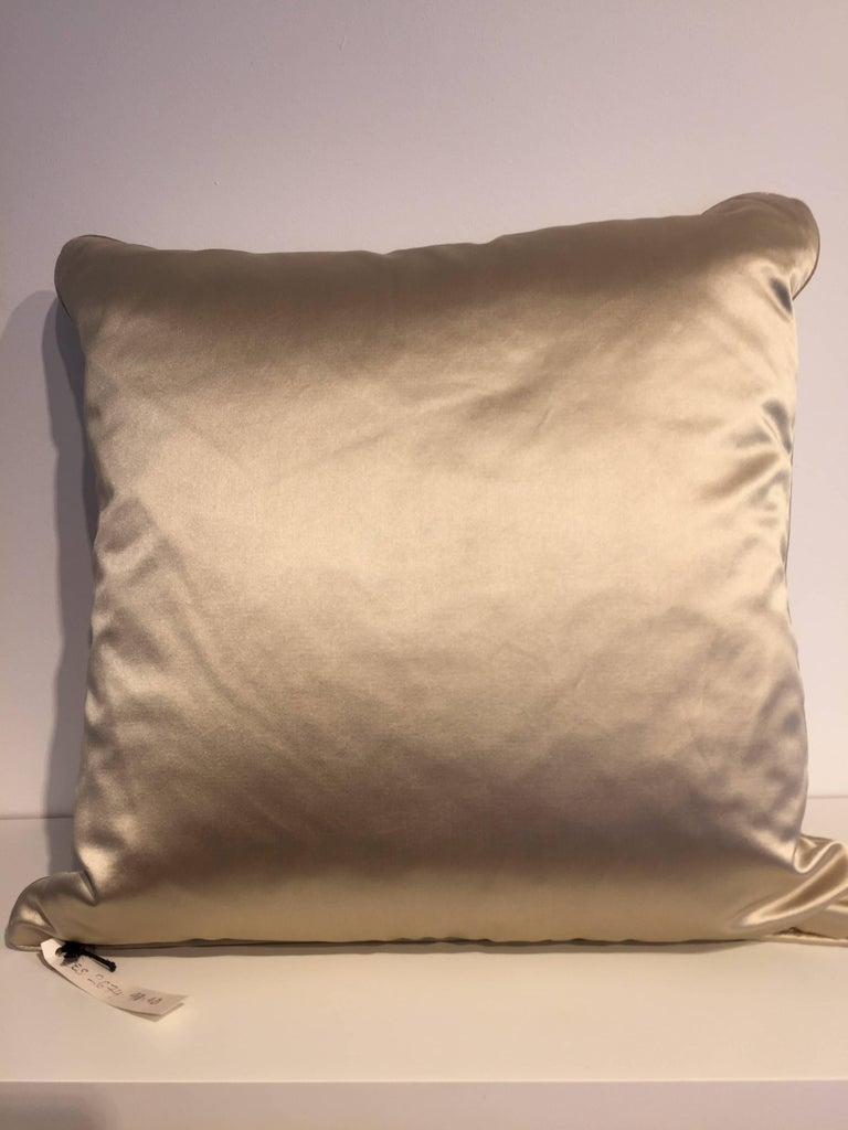 Set of Cushions Silk Satin Champagne Modern Damask Design Hand Embroidery For Sale 2
