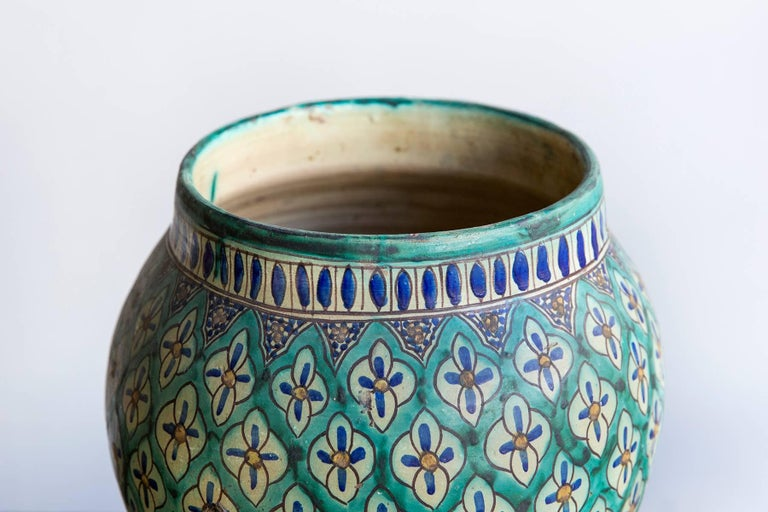 Hand-Painted 1930s Moroccan Vase In Excellent Condition For Sale In London, GB