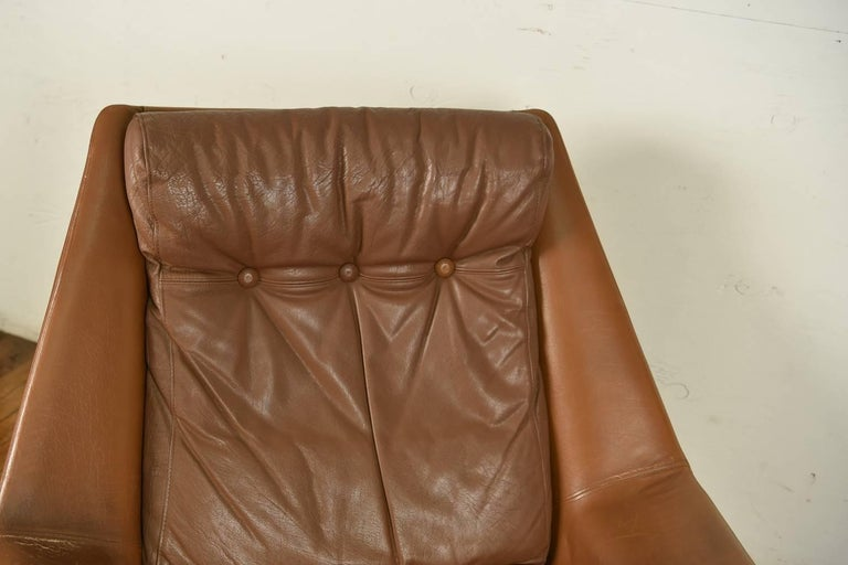 Danish Mid-Century Leather Lounge Chair and Ottoman In Good Condition For Sale In Westport, CT
