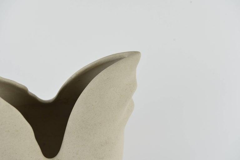 Lineasette Italian Ceramic Chicken Vase In Excellent Condition For Sale In Westport, CT