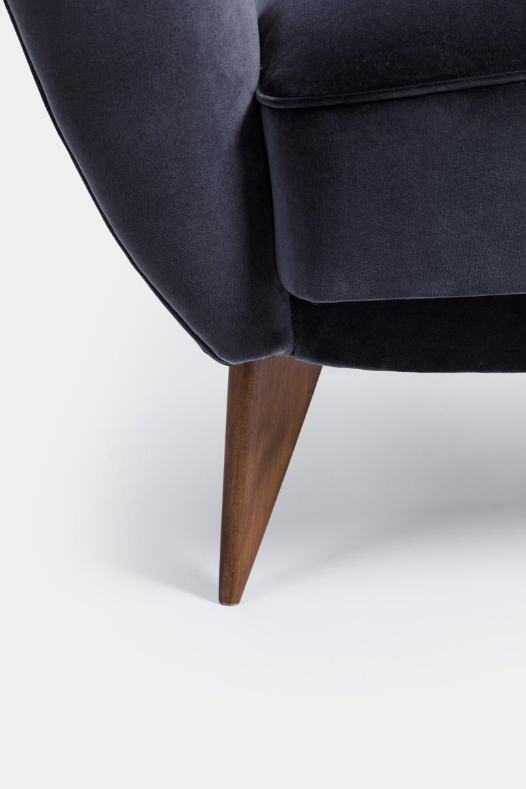 Upholstery Guglielmo Veronesi for ISA 'Perla' Armchair in Navy Velvet, Italy, 1950s For Sale