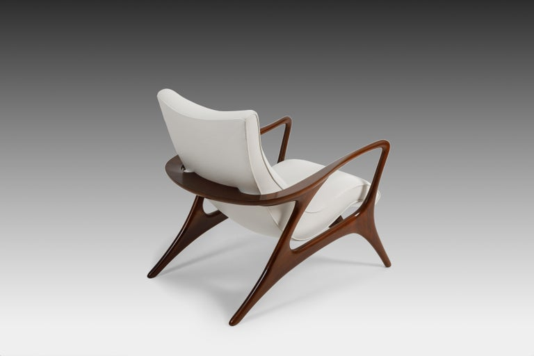 Mid-Century Modern Early Vladimir Kagan Walnut and White Leather 'Contour' Lounge Chair, USA, 1950s For Sale