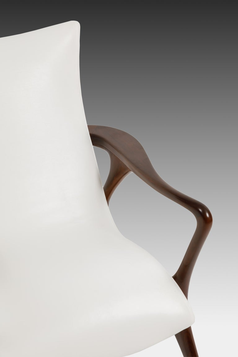 Early Vladimir Kagan Walnut and White Leather 'Contour' Lounge Chair, USA, 1950s For Sale 1
