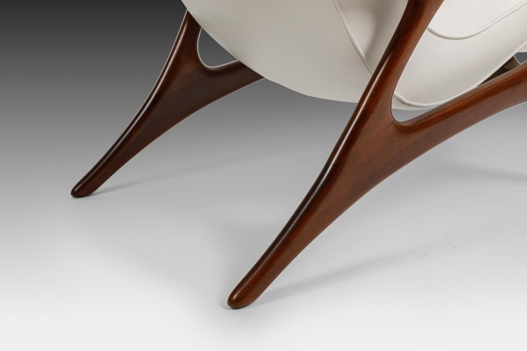 Early Vladimir Kagan Walnut and White Leather 'Contour' Lounge Chair, USA, 1950s For Sale 2