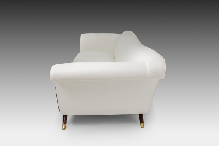Mid-Century Modern Large Sofa Attributed to Guglielmo Ulrich For Sale
