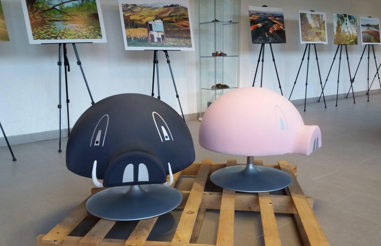 Grunfy Turntable Unconventional Stool Living Room Pig Pink Or Dark Grey For Sale At 1stdibs