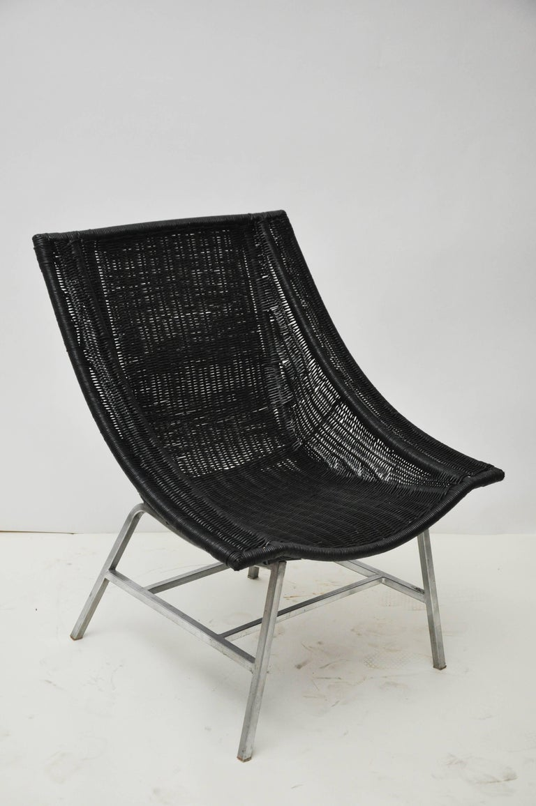 20th Century Mid-Century Modern Wicker Chair For Sale