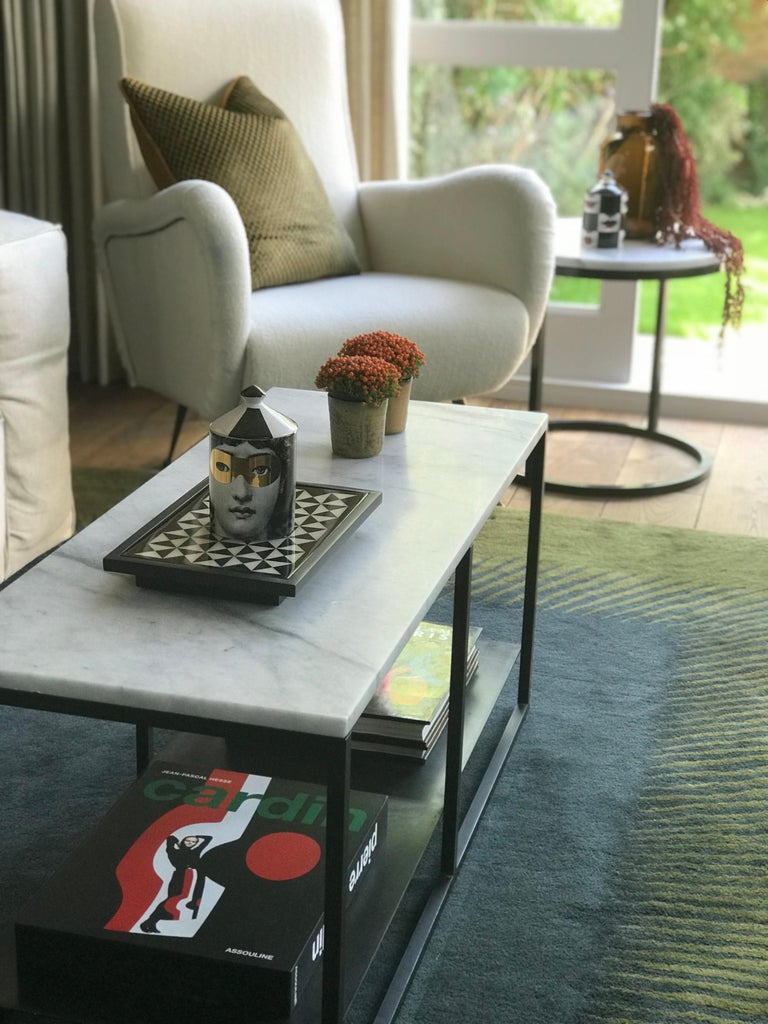 Polished Contemporary Eros Coffee Table in Marble and Powder Coated Steel For Sale