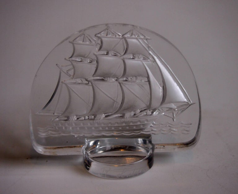 French Rene Lalique Art Deco Caravelle Cachet For Sale