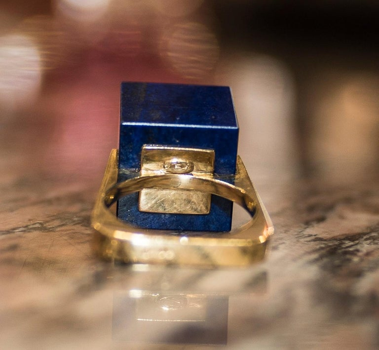 1970s French Yellow Gold Ring with Malaquita Stone in Cube Shape and 4 Diamonds For Sale 4