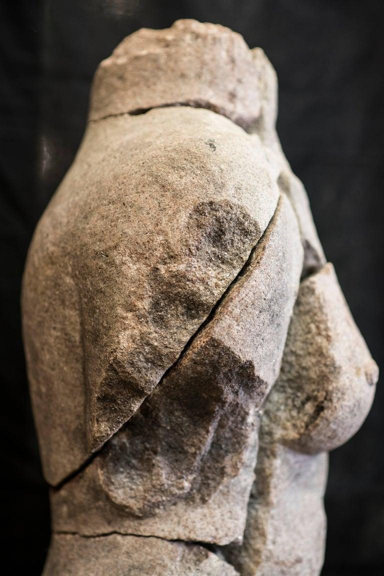 S XX  Granite  Torso Spanish sculpture , Signed In Excellent Condition For Sale In Valladolid, ES