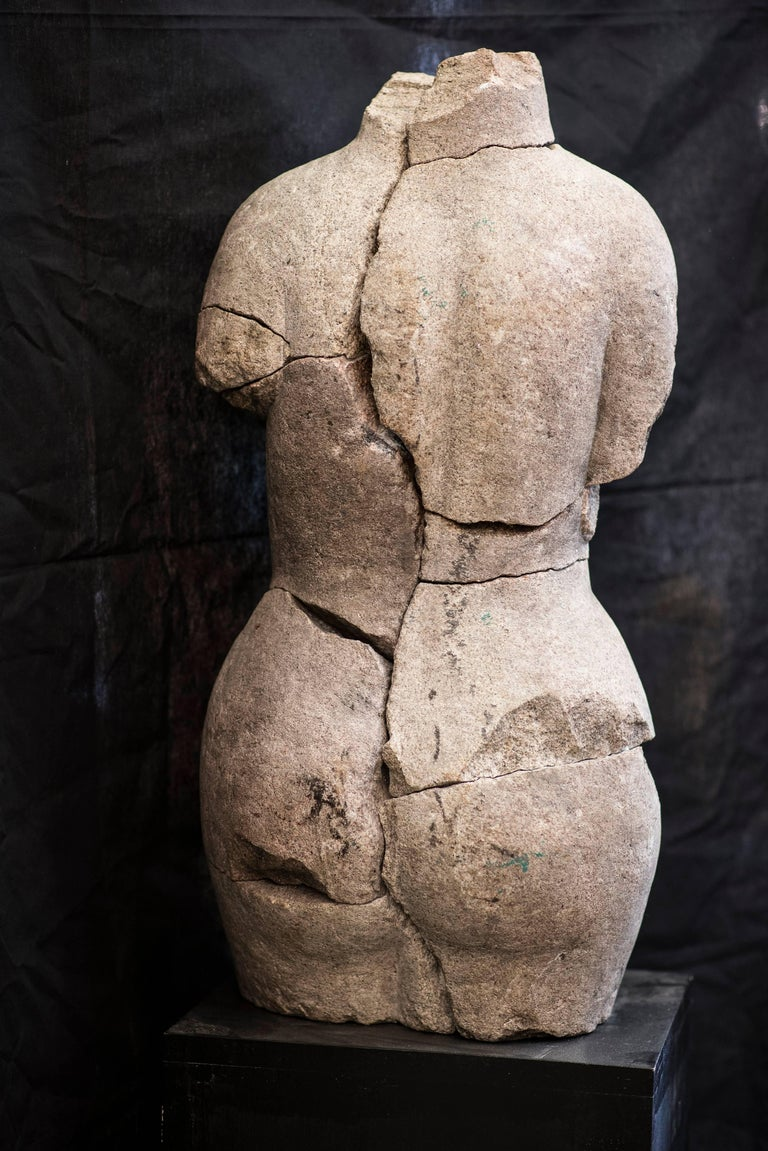 An extraordinary sculpture in granite, signed by Francisco Pazos, well know Spanish artist. Unique piece.With signature