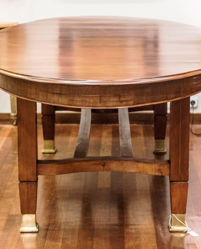Wood Early 20th Century Arts and Crafts Mahogany Oval English Dining Table For Sale