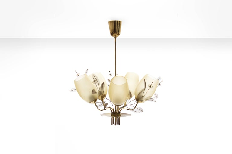 Scandinavian Modern Paavo Tynell Five-Arm Chandelier for Taito Oy Model 9029/5, Finland, circa 1950 For Sale
