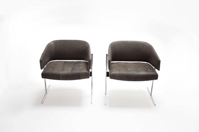 Brazilian Pair of Grey Senior Armchairs by Jorge Zalszupin in Soft Leather, Brazil, 1960 For Sale