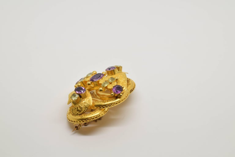 19th Century 18 Karat Gold Brooch with Chrysoberyls and Amethysts, 20th Century For Sale