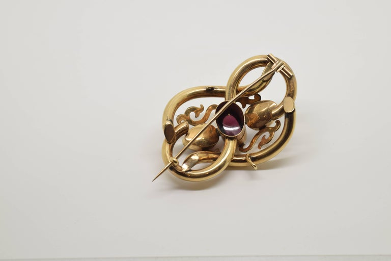 14-Karat Gold Brooch with Three Garnets, 20th Century For Sale 1