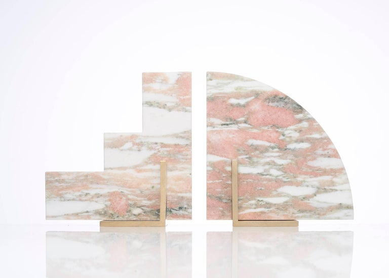 Odd Couple Bookends in Norwegian Rose Marble In New Condition For Sale In Sydney, AU