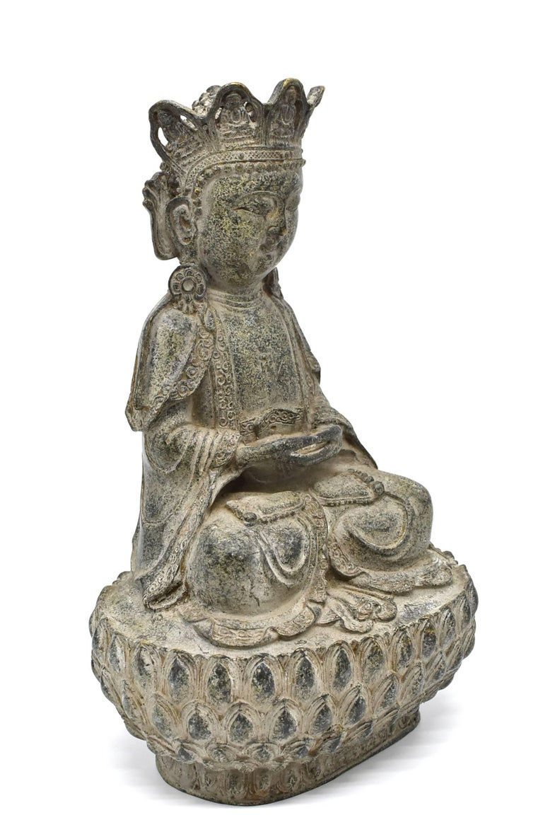 A beautiful bronze Buddha in the style of Ming dynasty Yong Le Period. 