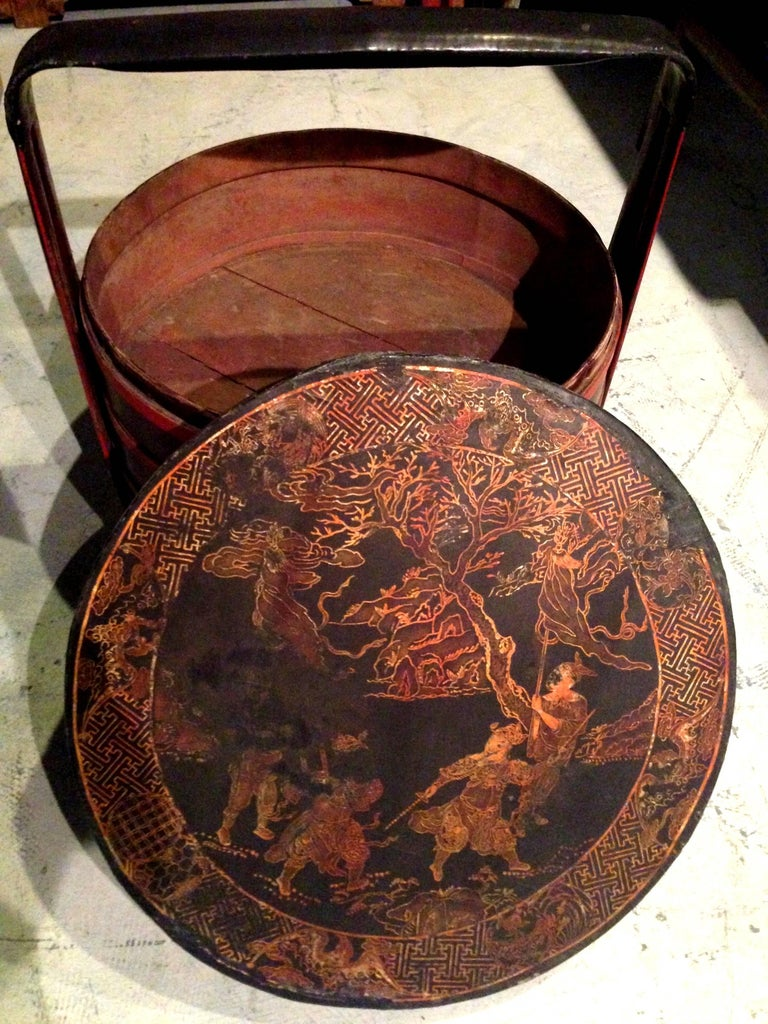 Chinese Antique Bamboo Basket with Painted Lid In Good Condition For Sale In Somis, CA