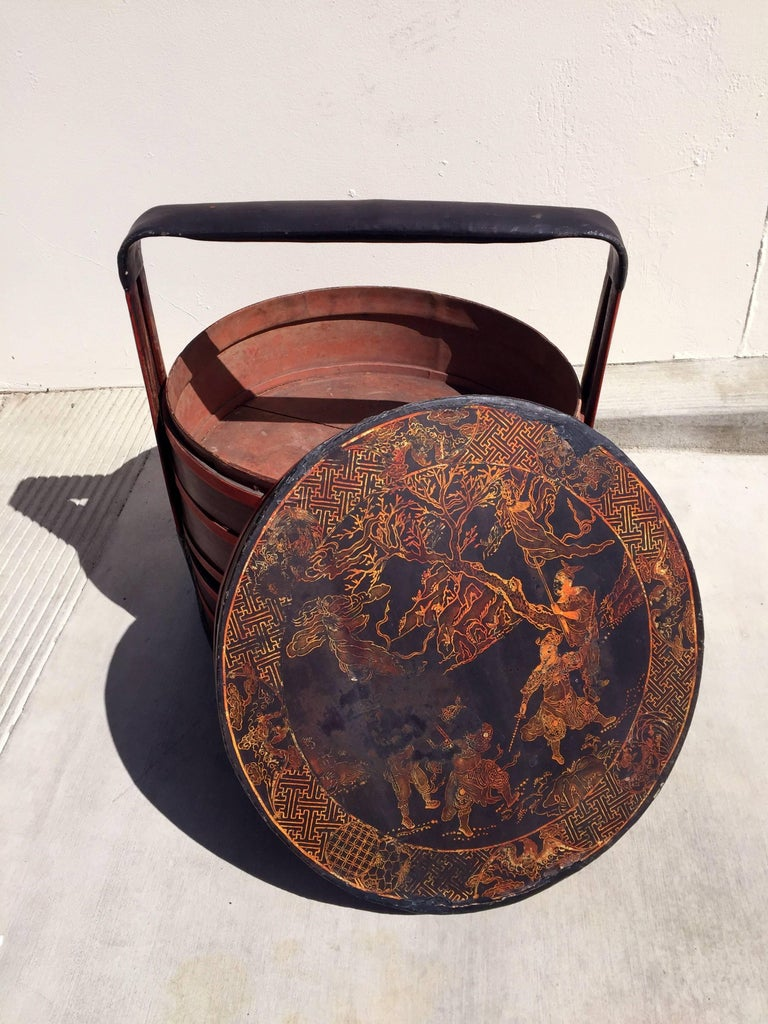 Chinese Antique Bamboo Basket with Painted Lid For Sale 1