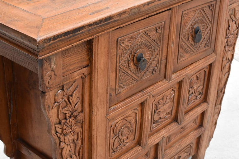 19th Century Chinese Country Chest with Secret Drawers In Good Condition For Sale In Somis, CA