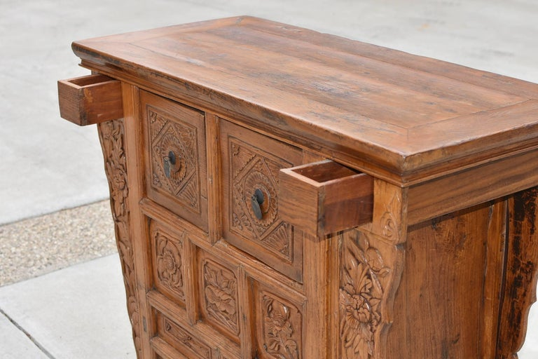 19th Century Chinese Country Chest with Secret Drawers For Sale 2