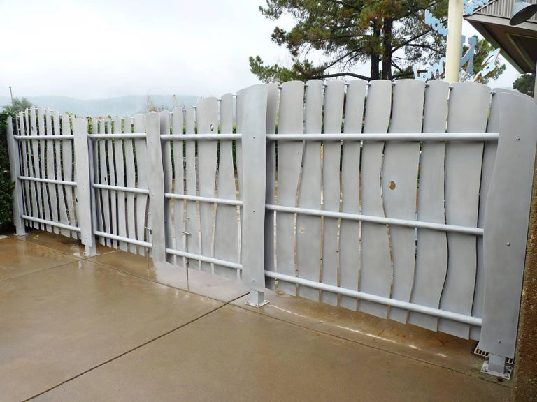 Mark Oldland Modern Aluminum Louvered Gate In Good Condition For Sale In Glen Ellen , CA