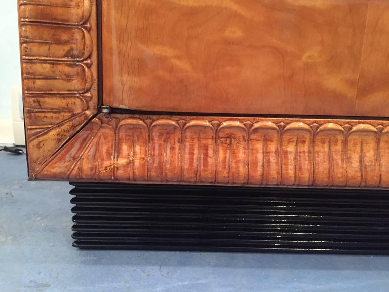 Italian Art Deco Armoire, 1940s For Sale 1