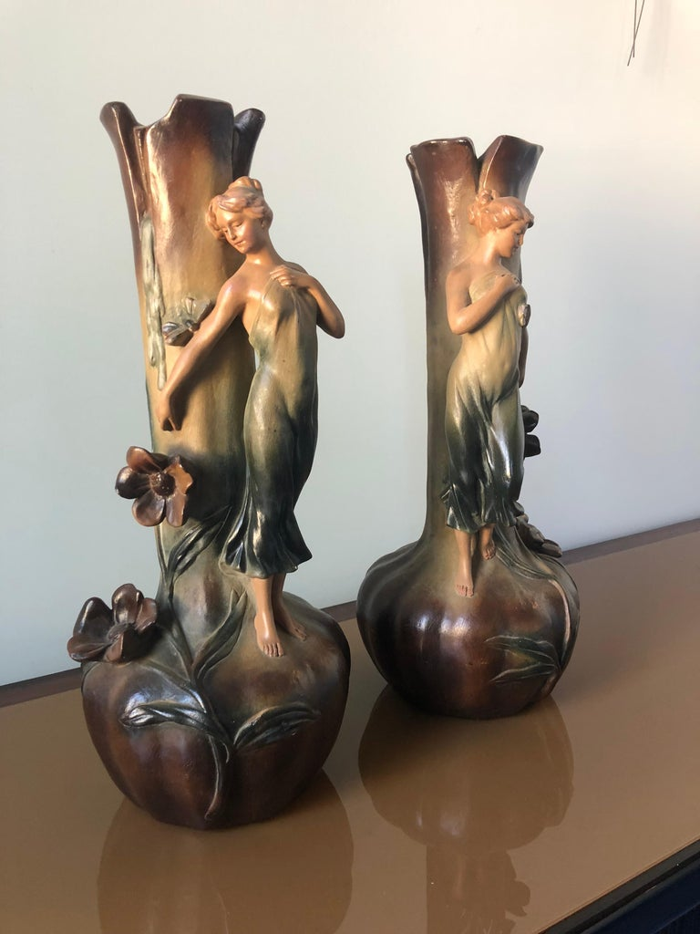 French Art Nouveau Pair of Large Terracotta Vases, circa 1910 In Good Condition For Sale In Traversetolo, IT
