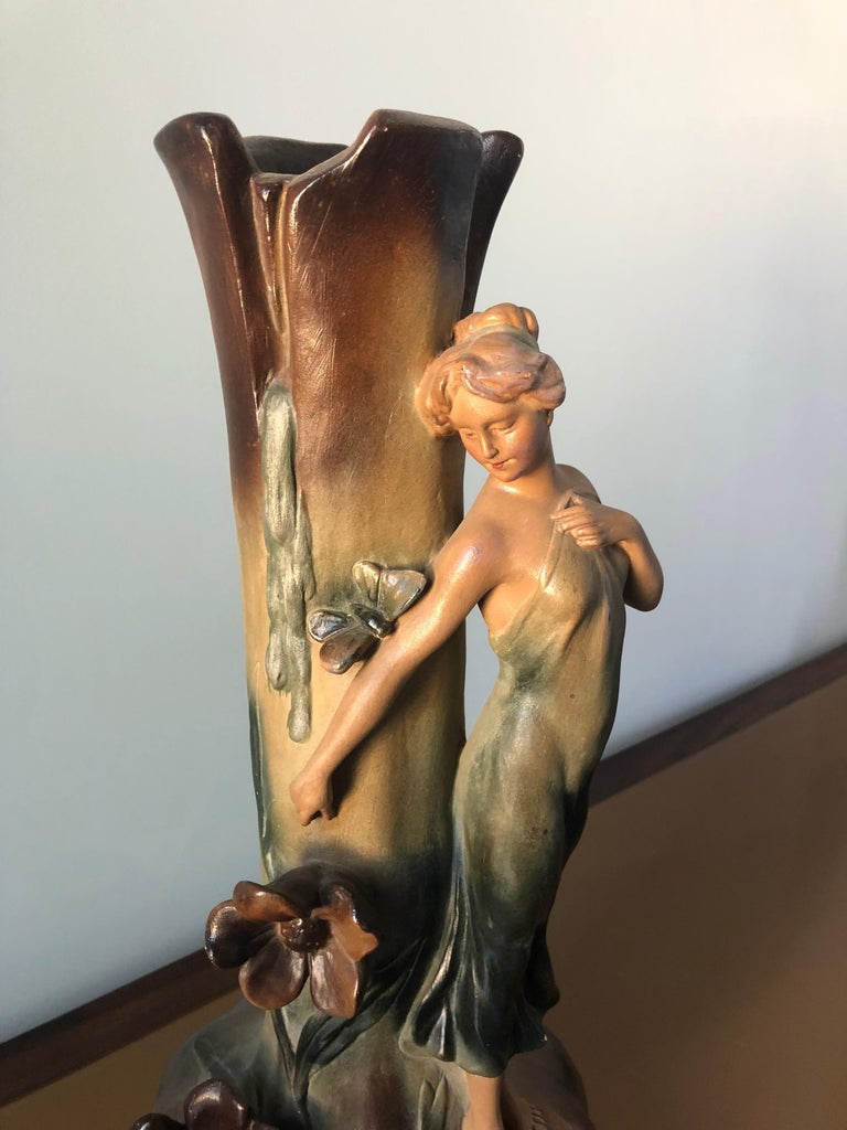 French Art Nouveau Pair of Large Terracotta Vases, circa 1910 For Sale 3