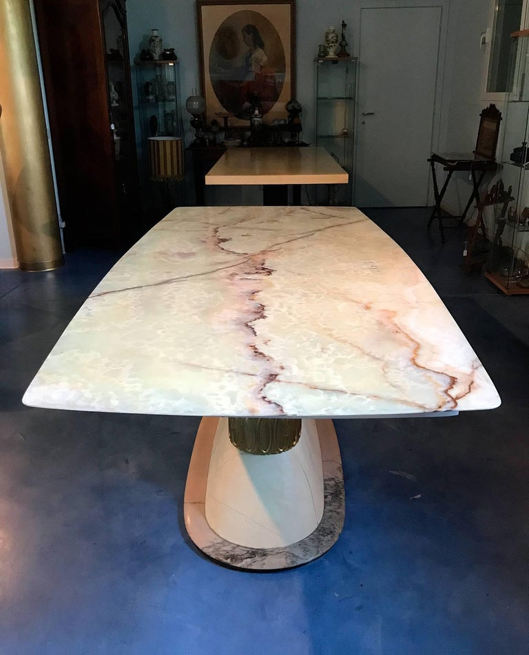 Mid-20th Century Italian Art Deco Marble Dining Table Style of Osvaldo Borsani, 1940s For Sale