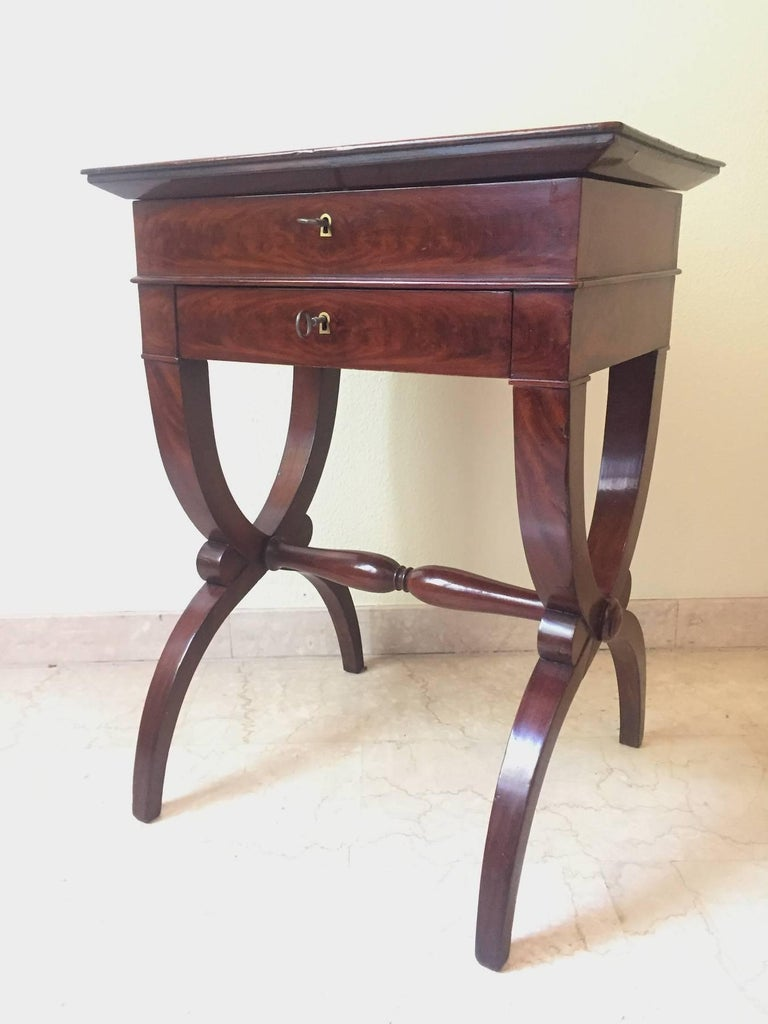 French Restauration flame mahogany work table, two little drawers, superlative the