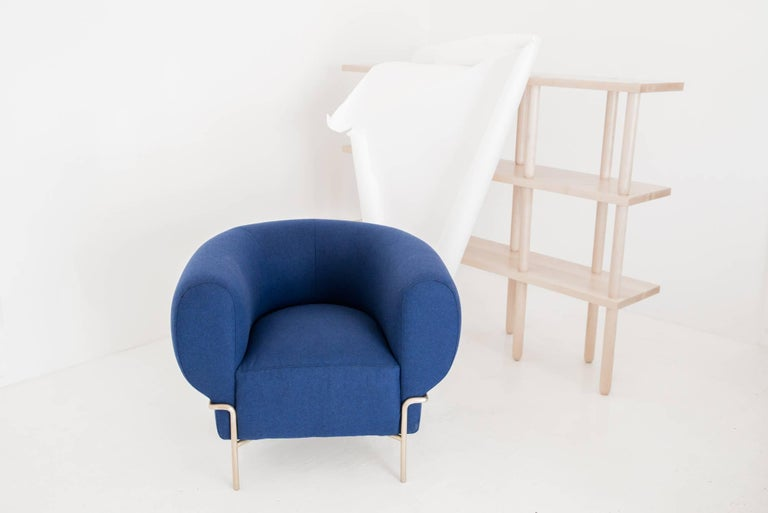 Powder-Coated Contemporary Madda Lounge Chair in Blue Wool For Sale