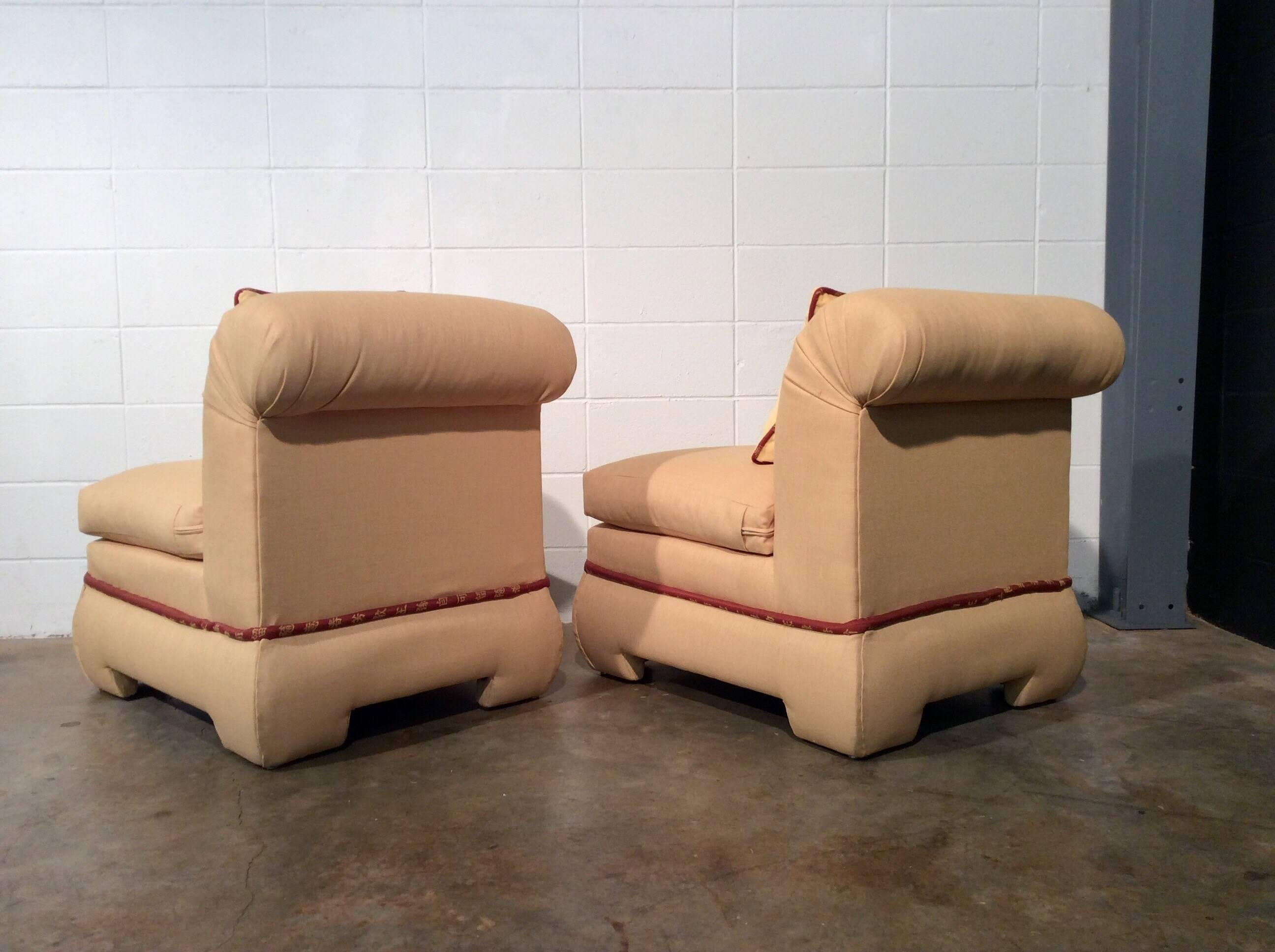 Late 20th Century Pair Of Fully Upholstered Rolled Back Chairs By Vanguard  Furniture For Sale