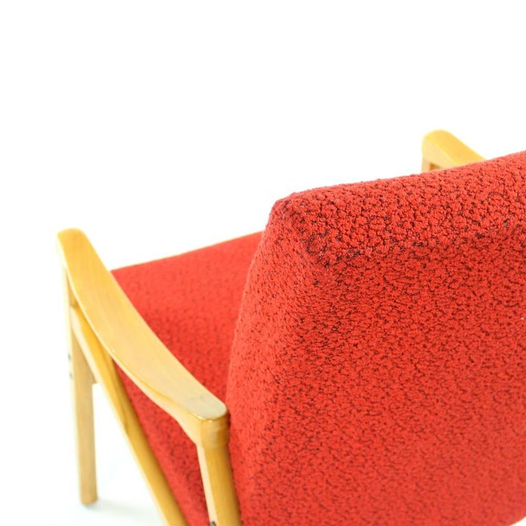 Mid-Century Armchair in Original Red Upholstery, Interier Praha, Czechoslovakia For Sale 4