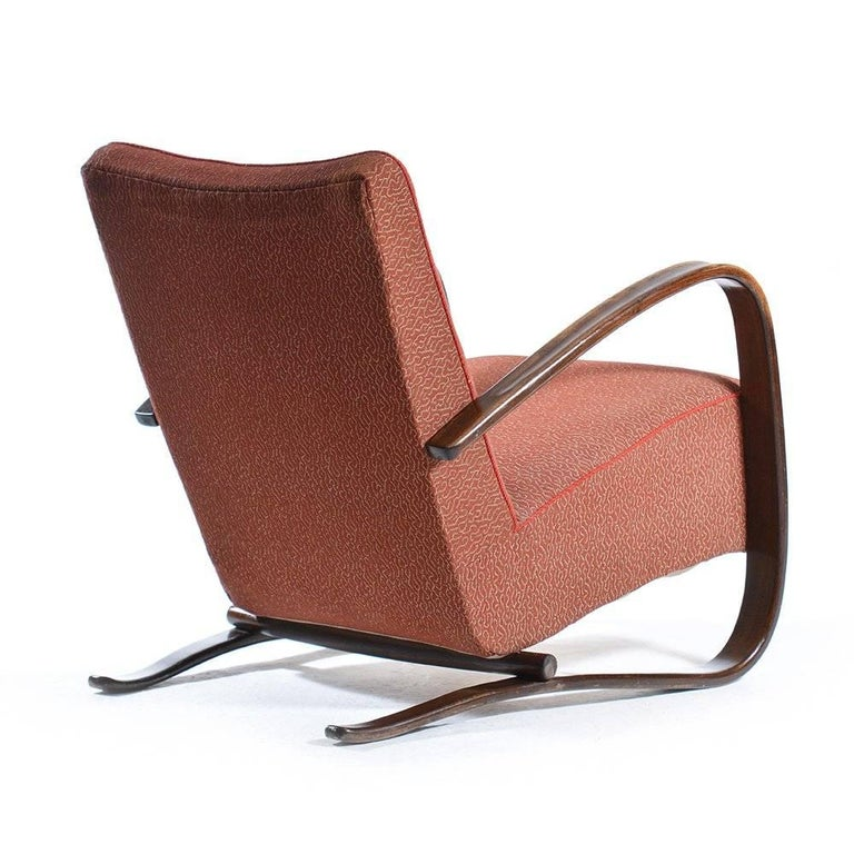 Mid-Century Modern Pair of H269 Armchairs by Jindrich Halabala in Original Upholstery, circa 1940 For Sale