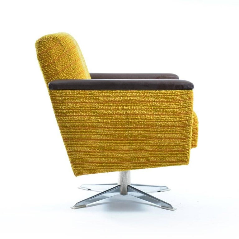Mid-Century Modern Bright Swivel Club Chairs, Czechoslovakia, circa 1960s For Sale