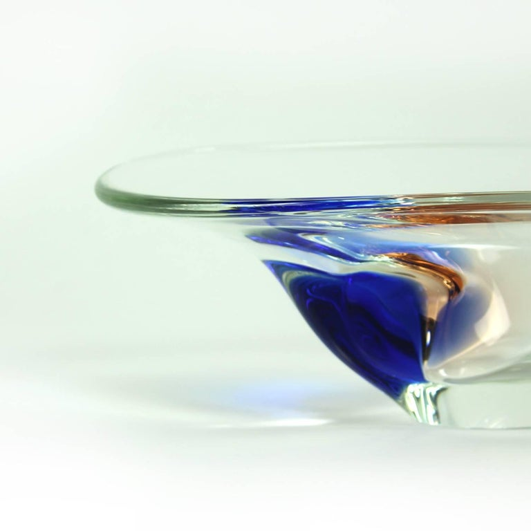 Clear and Blue Art Glass Bowl by Borocrystal, Czechoslovakia, circa 1960 For Sale 4