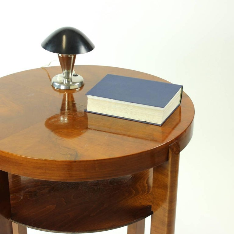 Round Side Table by Jindrich Halabala in Walnut Veneer, Czechoslovakia, 1930s For Sale 4