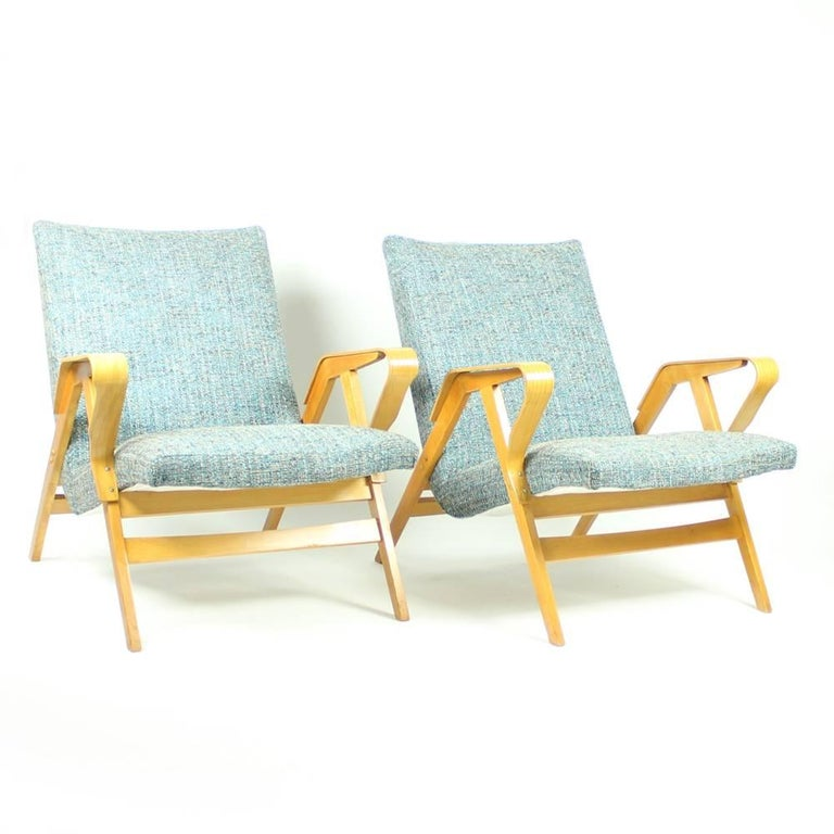 Tatra Armchairs in Light Beech, Czechoslovakia, circa 1960 For Sale 2