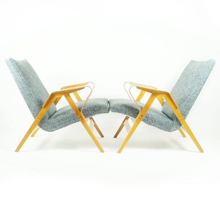 Tatra Armchairs in Light Beech, Czechoslovakia, circa 1960 For Sale 3