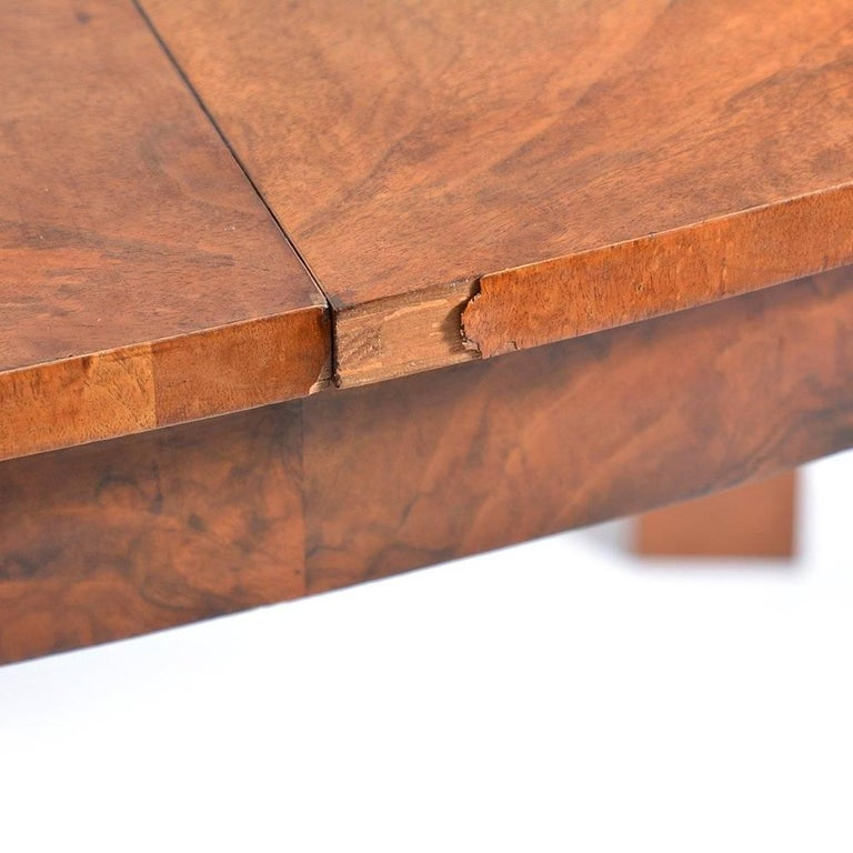 Large Art Deco Fold Out Dining Table in Walnut Veneer, Czechoslovakia, 1930s For Sale 5