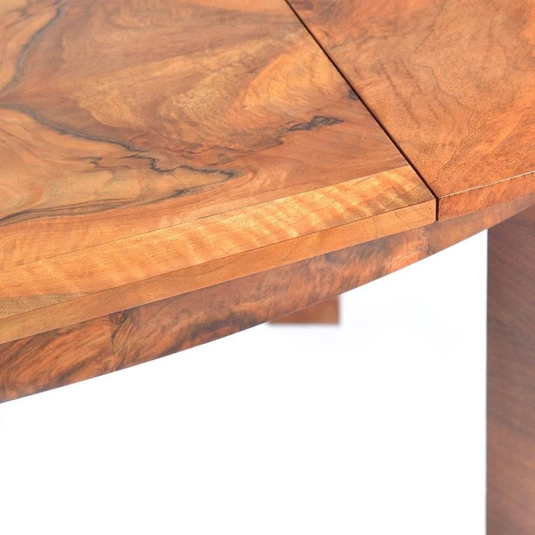 Large Art Deco Fold Out Dining Table in Walnut Veneer, Czechoslovakia, 1930s For Sale 1