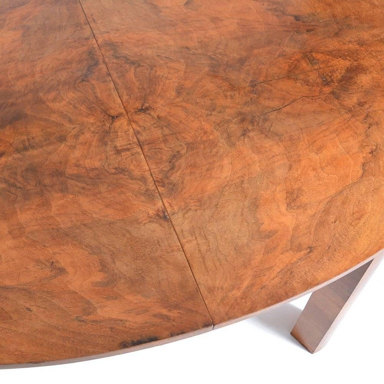 Large Art Deco Fold Out Dining Table in Walnut Veneer, Czechoslovakia, 1930s In Good Condition For Sale In Zohor, SK