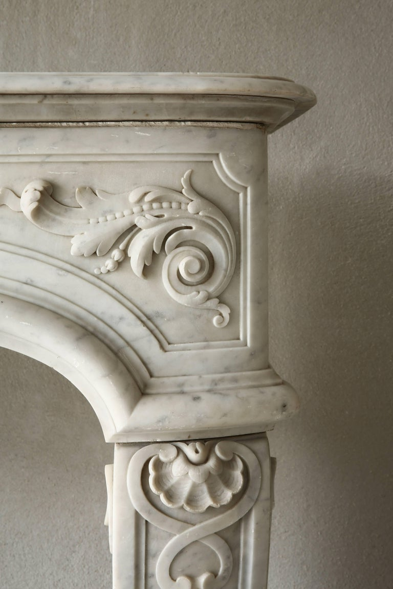 Rare Antique Marble Fireplace of Carrara Marble  In Good Condition For Sale In Made, NL