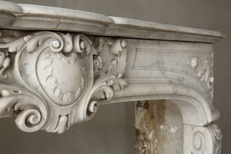 Rare Antique Marble Fireplace of Carrara Marble  For Sale 3